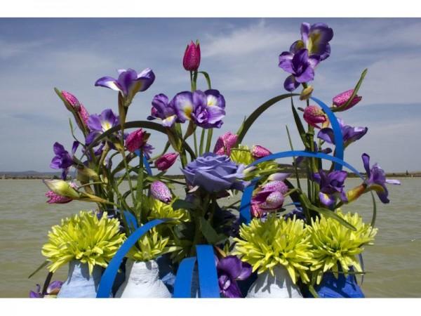 Flores artificiales y composiciones en estilo Retro
