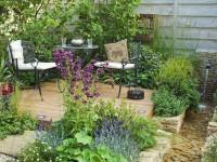 Decora tu terraza con plantas artificiales